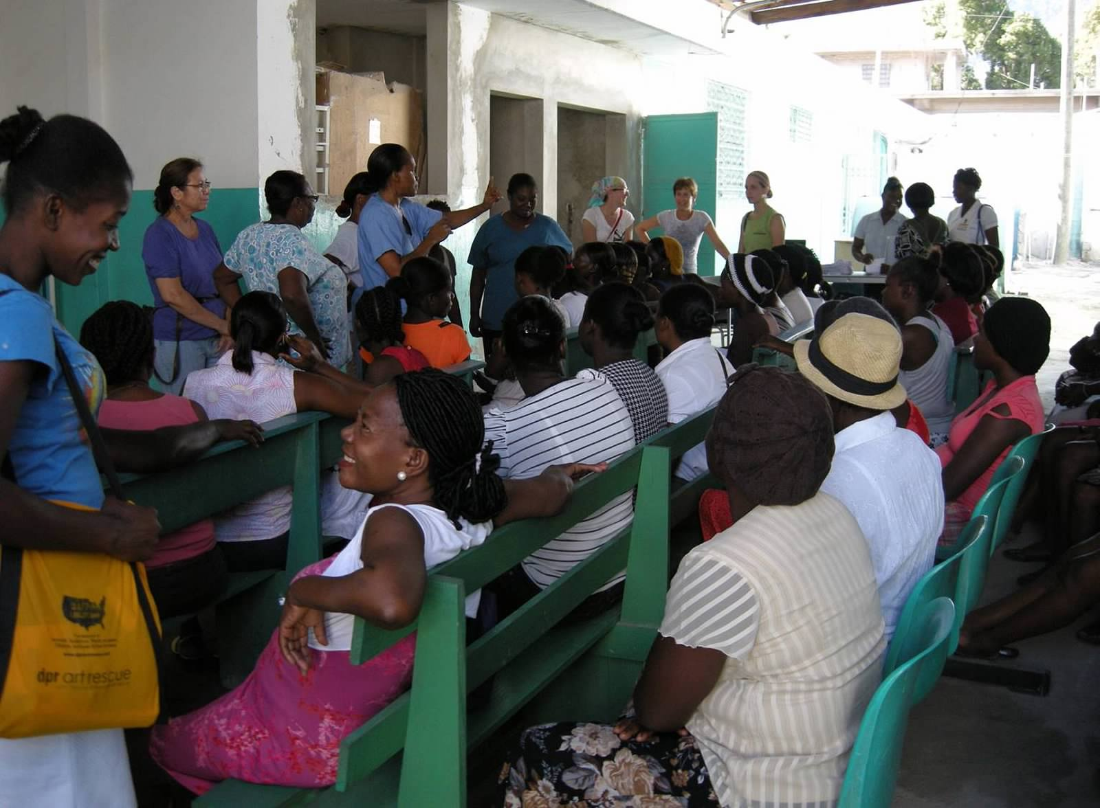 Leslee teaching at Limbe hospital